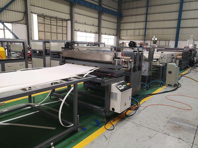 Pvc hollow sheet machine